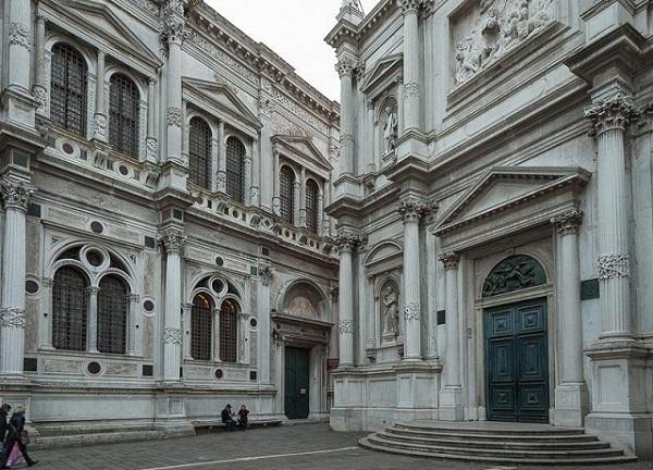 Top 5 Hidden Gems in Venice